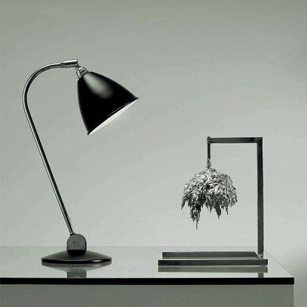 Design-Schreibtischleuchte Bestlite BL2 von Gubi