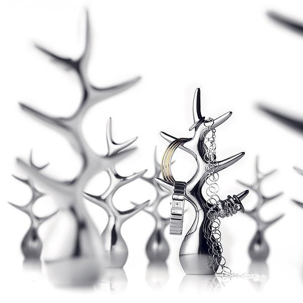 Schmuckbaum aus hochglanzpoliertem Aluminium von Menu