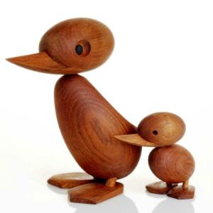 holzfiguren-duck-and-duckling-architectmade