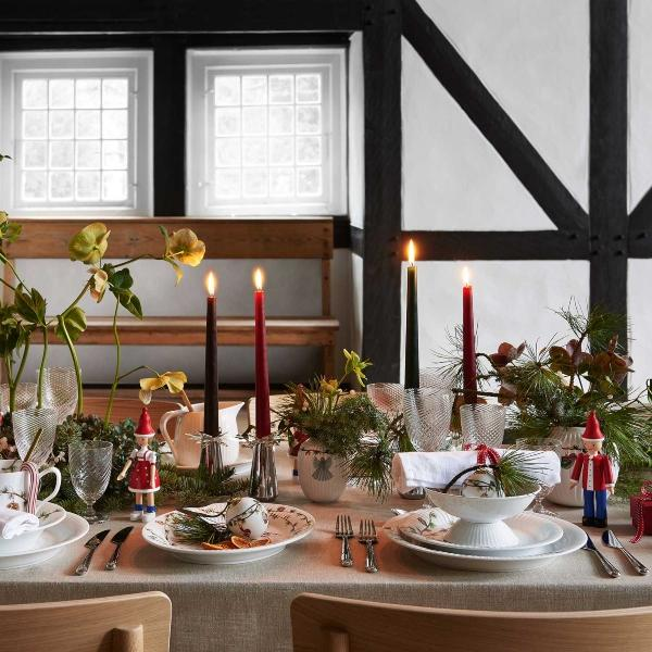 kay-bojesen-weihnachtsjunge-ole-holzfigur-kay-bojesen-georg-jensen-weihnachten