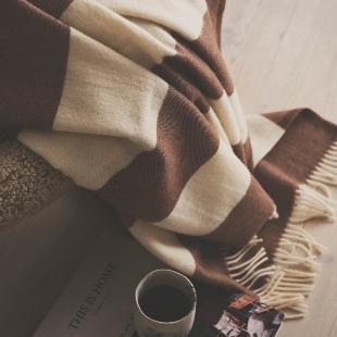 Silkeborg Uldspinderi – The Sweater Wolldecke